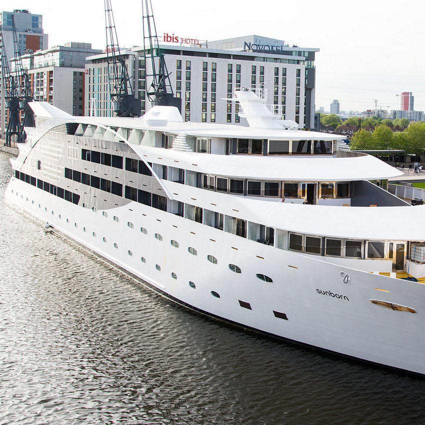 ISS Sunborn Yacht Hotel